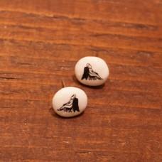Auskari  nagliņas ar sēdošu enģeli